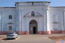 Фасад Тихвинского монастыря