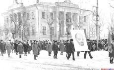 Демонстрация на 7 Ноября в Кирсанове