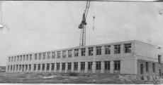Строительство школы в поселке сах-завода 1961 год